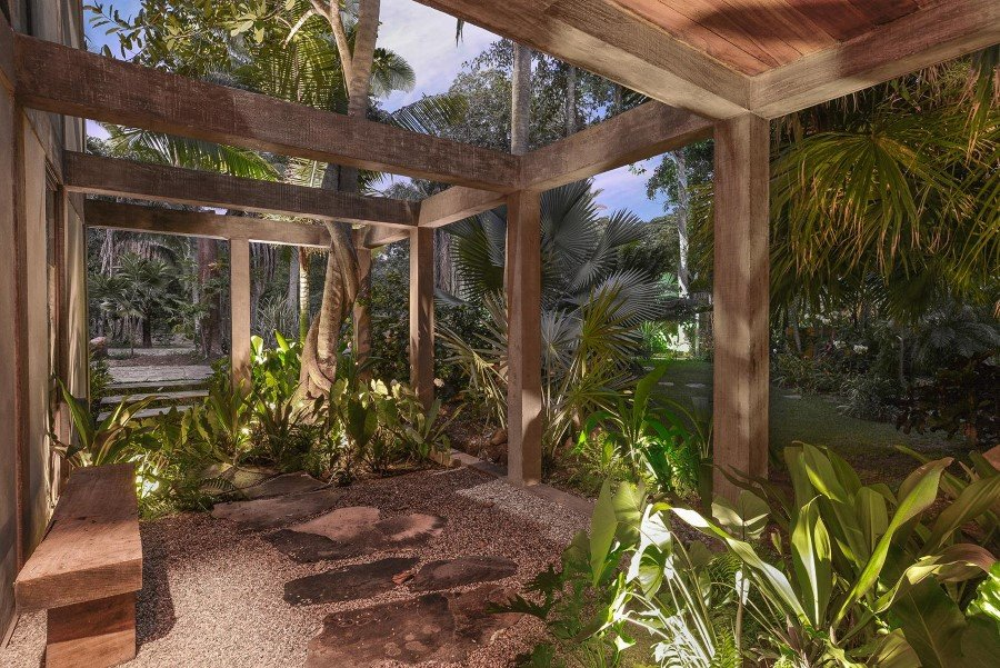 Chacala retreat house surrounded by jungle on the sunny Mexican coast (19)