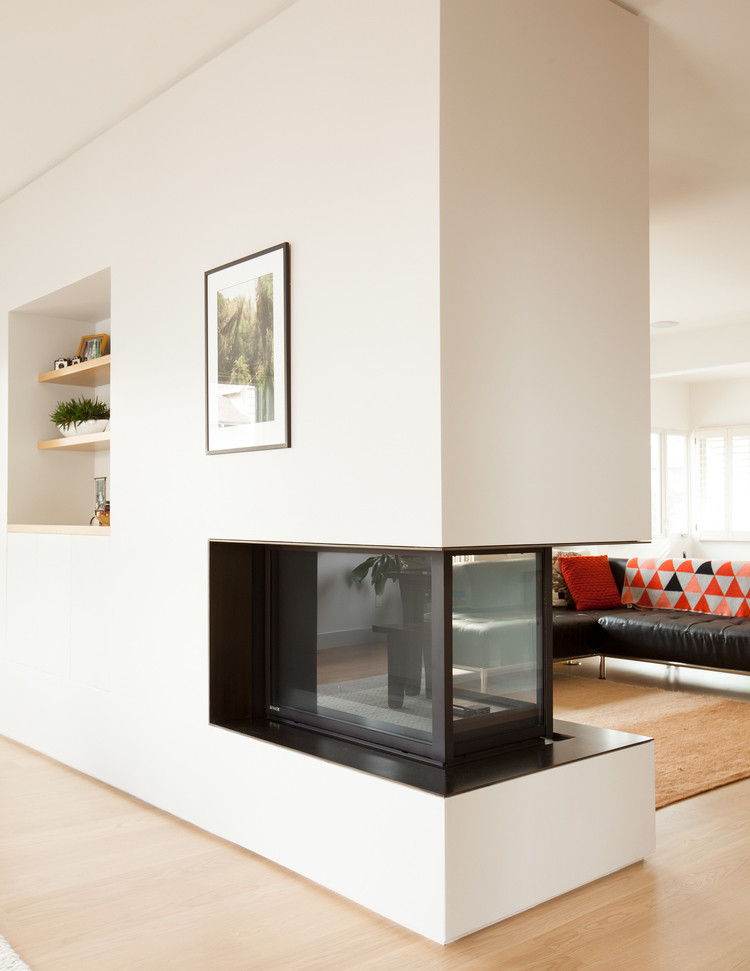 Complete renovation of a two-story bungalow in Oakland, California (7)