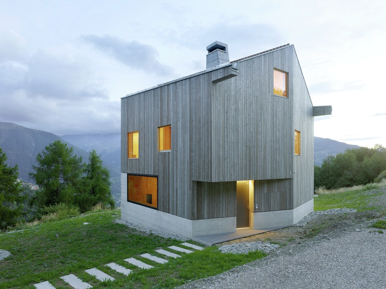 Concrete Cottage Covered with Wood Cladding in the Val d'Hérens (3)