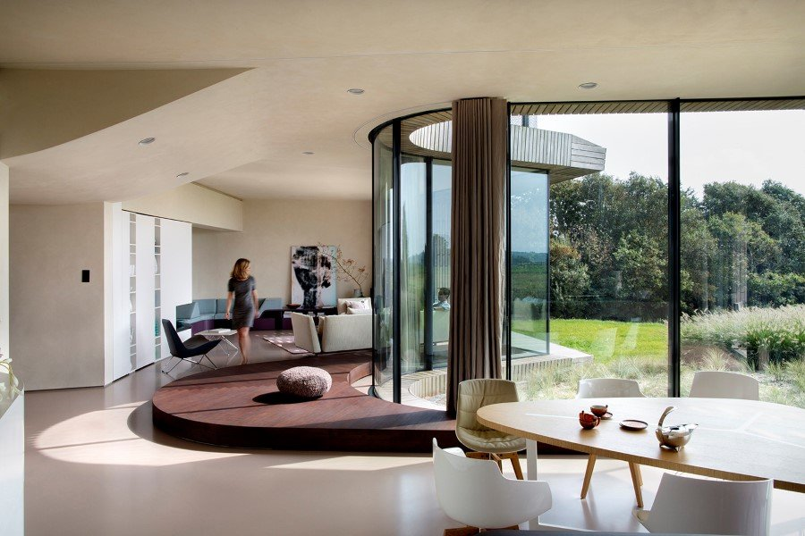 Contemporary Smart Home with Integrated Sustainable Solutions (3)