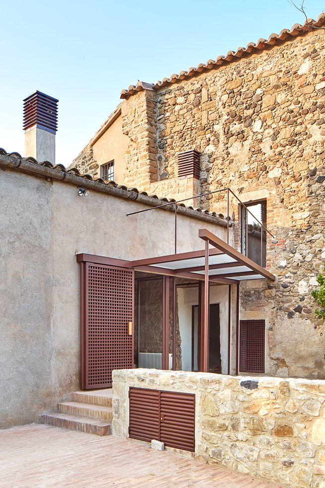 Farmhouse rehabilitated in Emporda, Spain (9)
