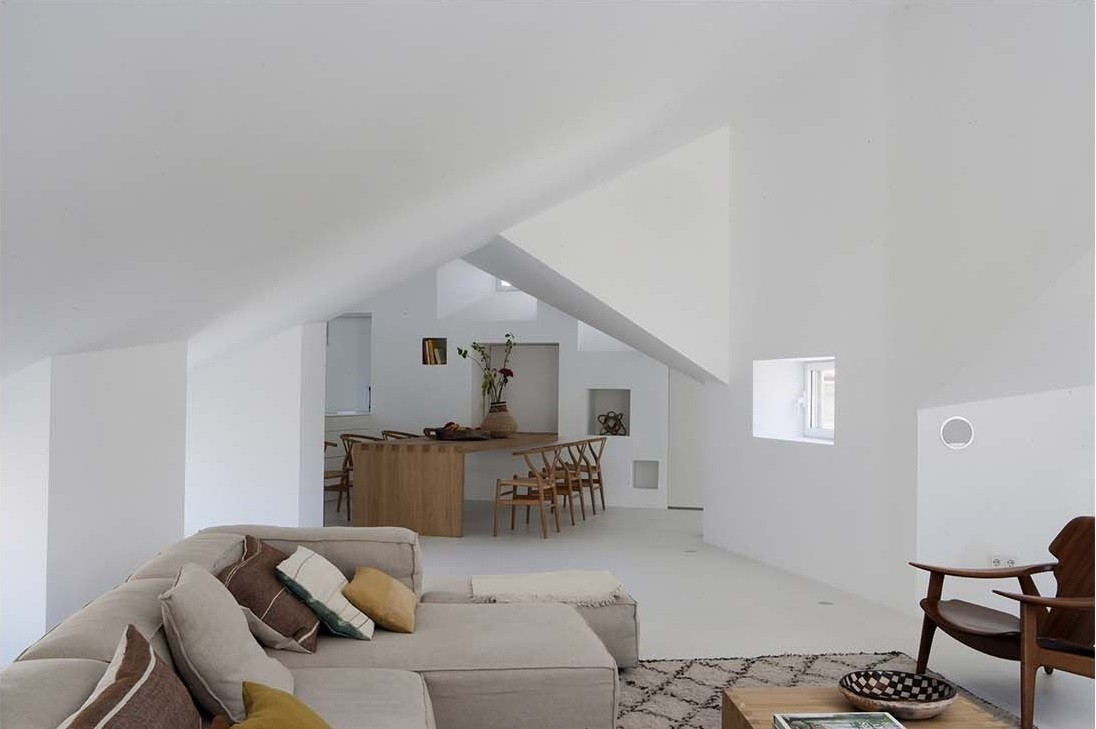 Full Renovation Apartment by Ábaton in Alcalá, Spain (1)