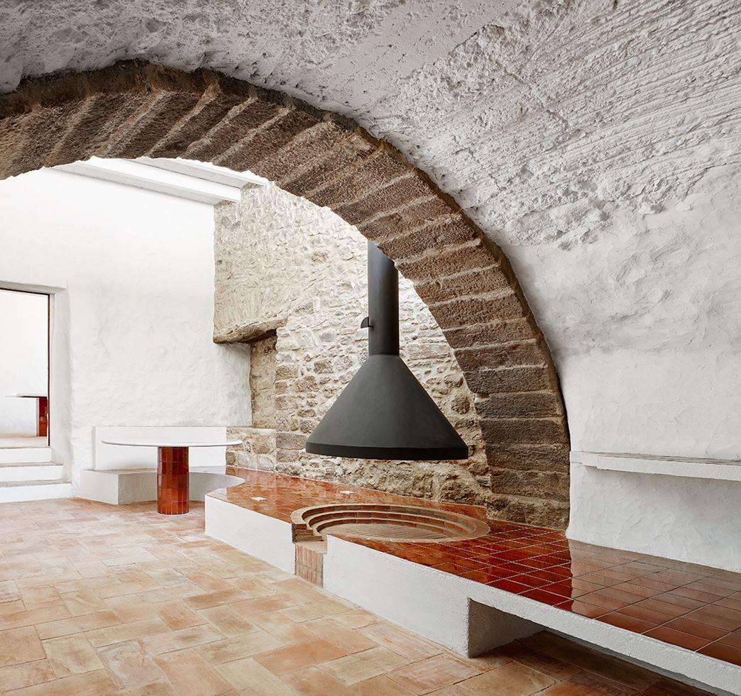 G Arquitectura has completed the rehabilitation of a farmhouse, located in Empordà, Girona, Spain (7)