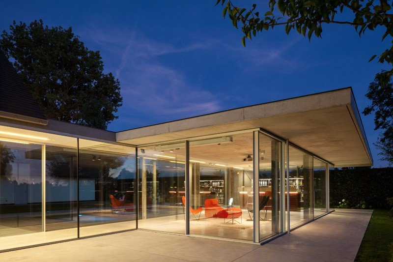 Glass And Concrete Pool House In Belgium (12)