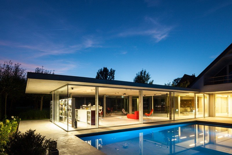 Glass And Concrete Pool House In Belgium (19)