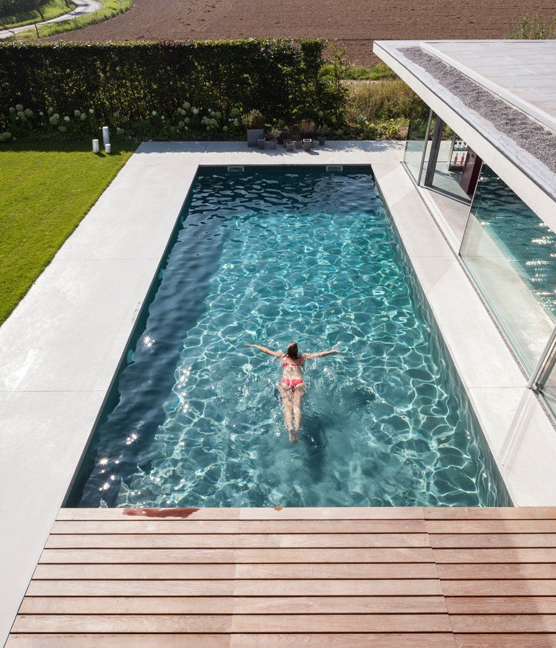 Glass And Concrete Pool House In Belgium (3)