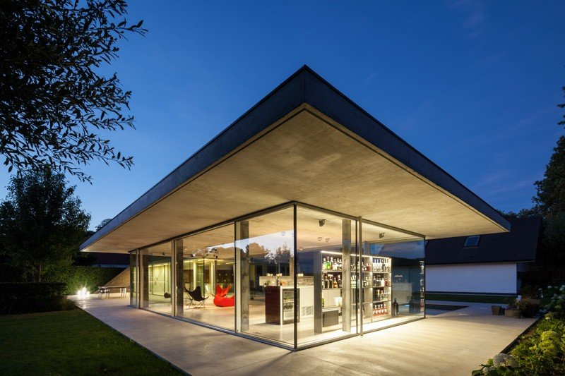 Glass And Concrete PoolHouse In Belgium (7)
