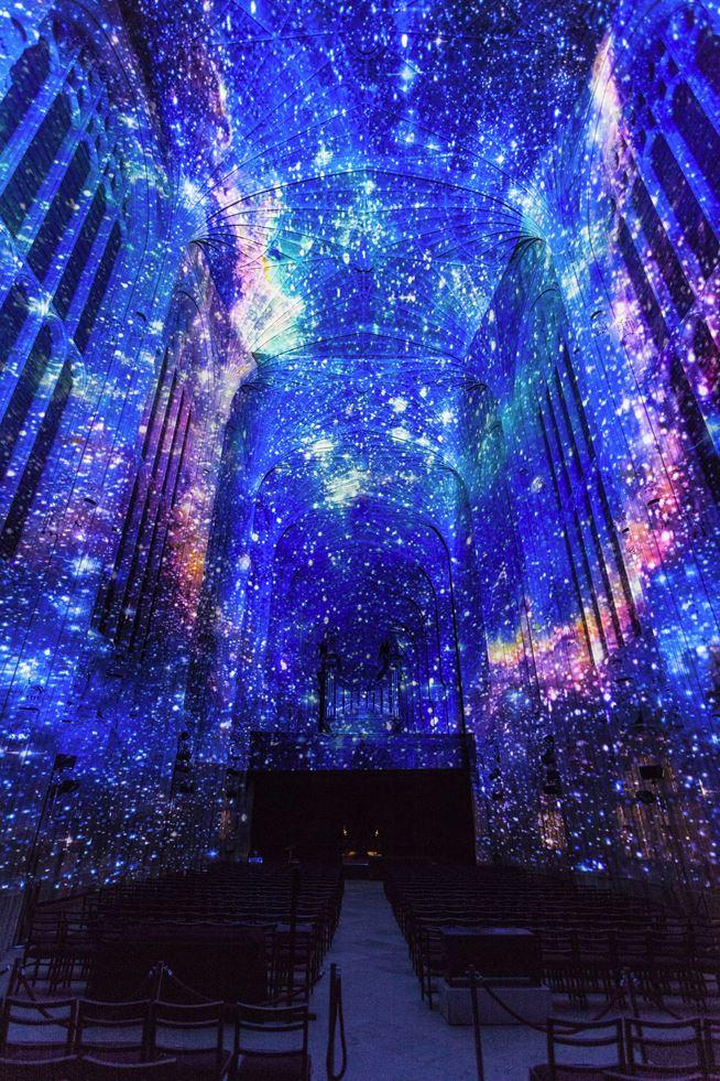 Immersive Projections in King's College Chapel, University of Cambridge (4)