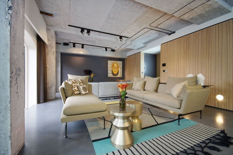 Industrial Warehouse Conversion at Ransome's Dock in London (6)
