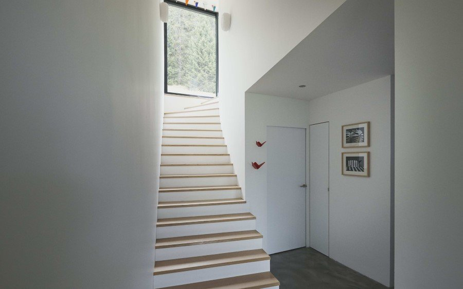 Jura House Blends into the Surrounding Hill  (11)