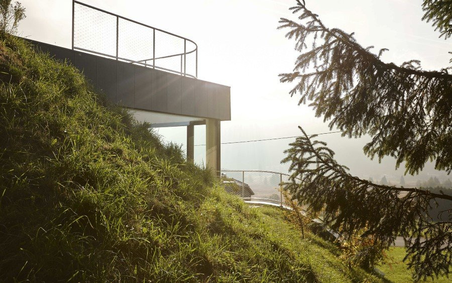 Jura House Blends into the Surrounding Hill  (16)