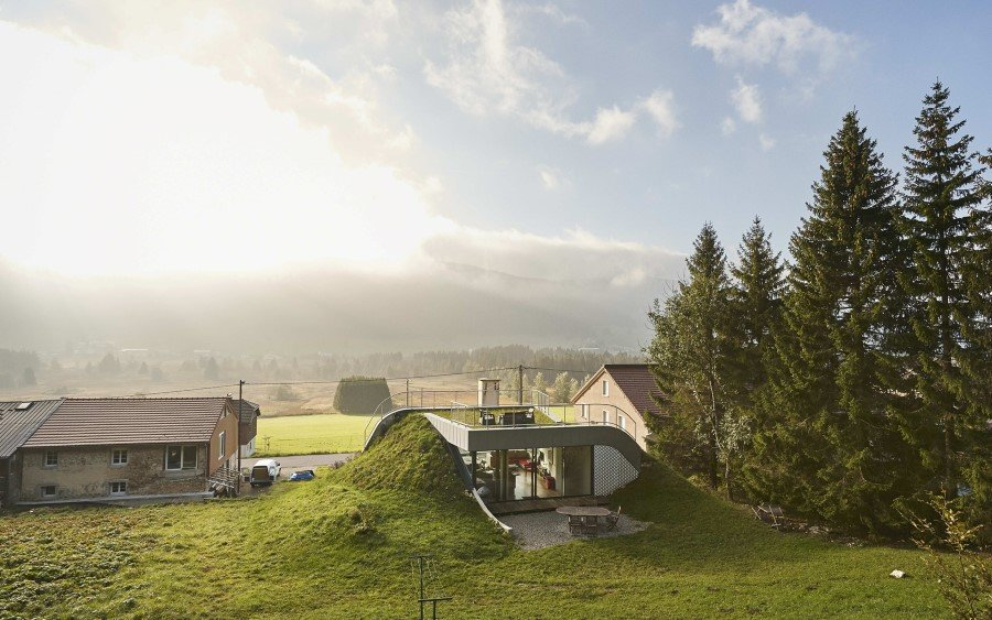 Jura House Blends into the Surrounding Hill  (17)