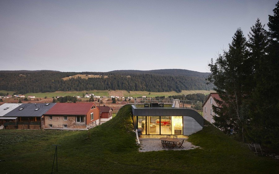 Jura House Blends into the Surrounding Hill  (2)