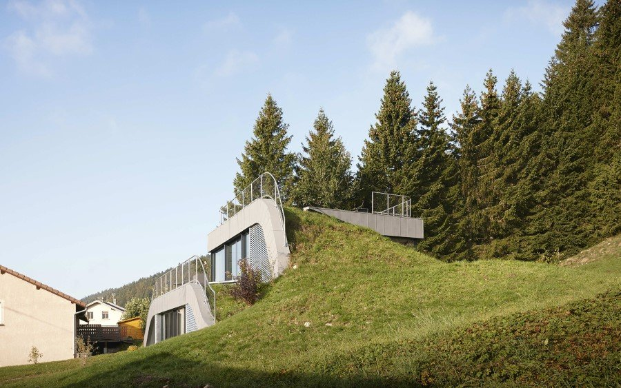 Jura House Blends into the Surrounding Hill  (8)