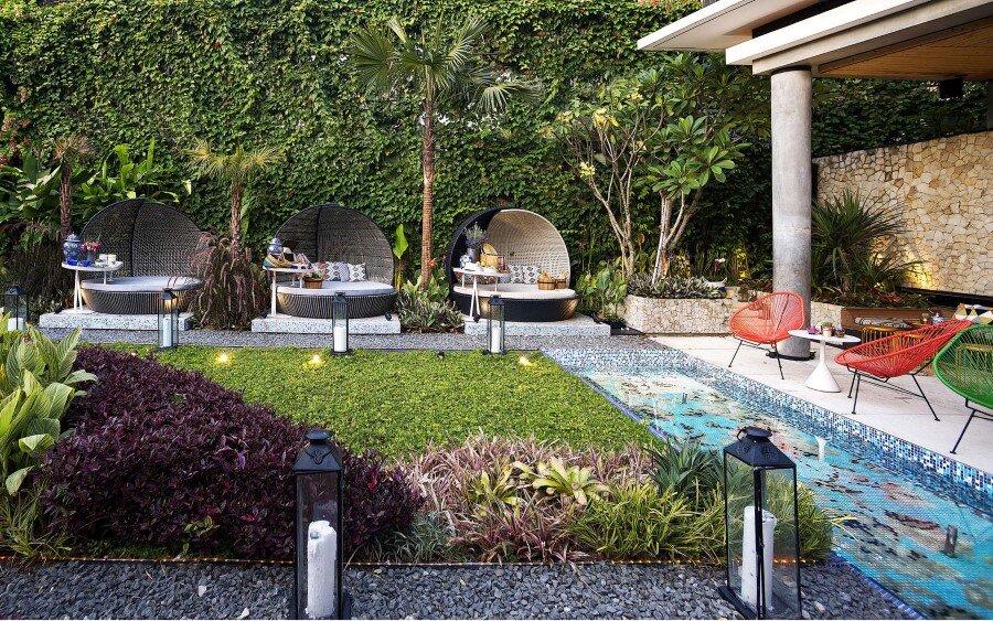 Lemongrass Restaurant Has a Modern Tropical Architecture (12)