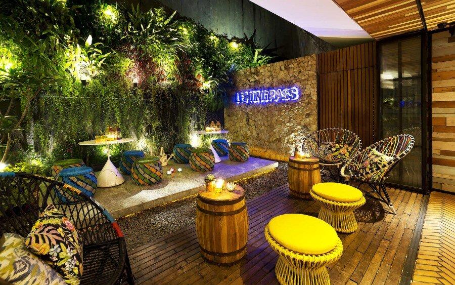 Lemongrass Restaurant Has A Modern Tropical Architecture (16)