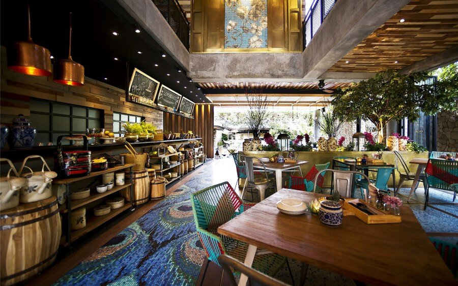 Lemongrass Restaurant Has a Modern Tropical Architecture (17)