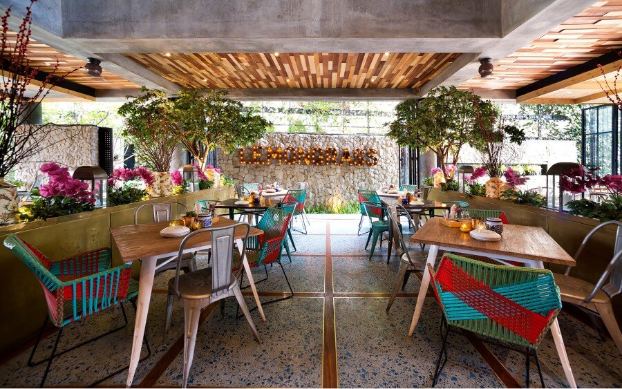 Lemongrass Restaurant Has a Modern Tropical Architecture (18)