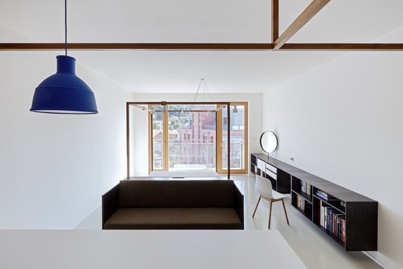 Quest Apartment with a Minimalist Design in Prague (5)