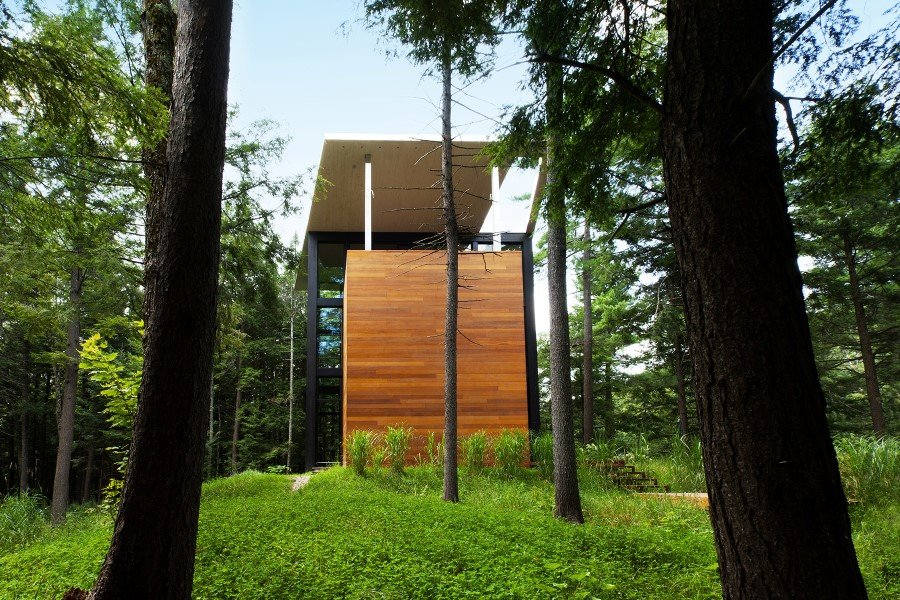 Sculptural House - Collaboration Between an Architect and a Sculptor in Bolton-Est, Québec (15)