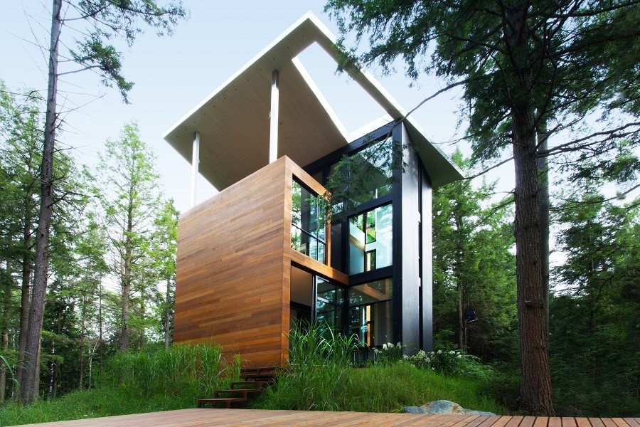 Sculptural House - Collaboration Between an Architect and a Sculptor in Bolton-Est, Québec (2)
