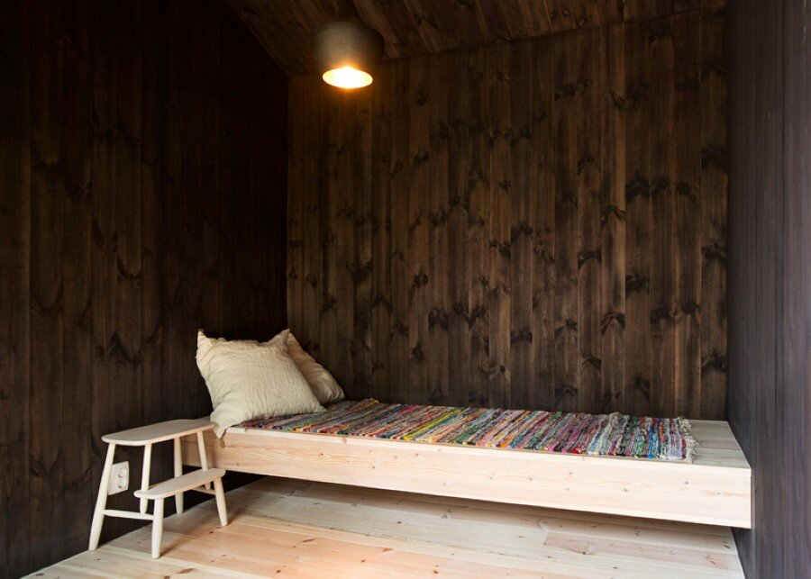 Single Story Vacation House on an Island in the Stockholm Archipelago (19)