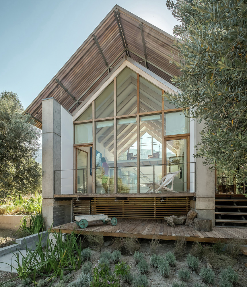 Teke House Architecture Integrates Active and Passive Sustainable Solutions (18)