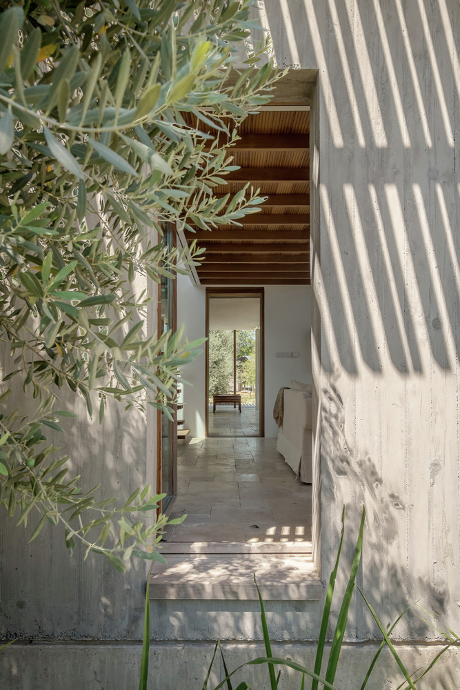 Teke House Architecture Integrates Active and Passive Sustainable Solutions (2)