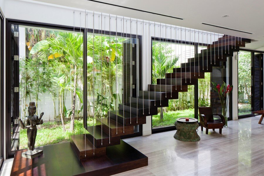 Thao Dien House delights us with a beautiful vertical garden walls (5)