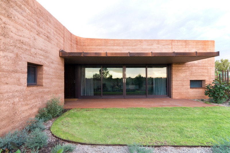 Twelve Earth Covered Residences by Luigi Rosselli Architects (10)