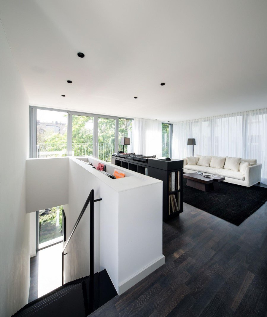two storey flat renovated by sch ne r ume in frankfurt