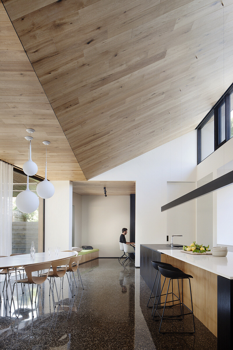 Contemporary Addition and Restoration to a Historic House (11)