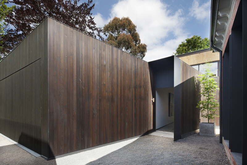Contemporary Addition and Restoration to a Historic House (14)