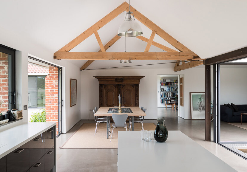 Contemporary barn conversion - Abbey Hall in the Picturesque Town of Eye (11)