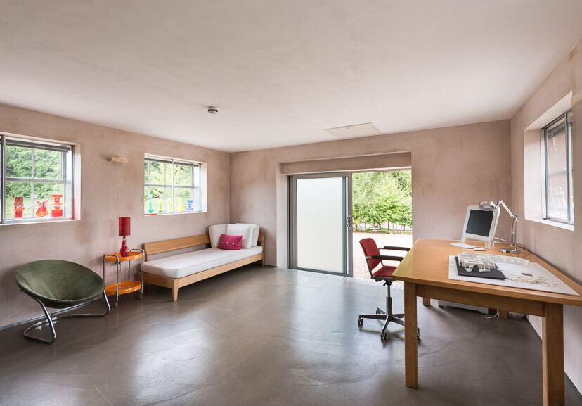 Contemporary barn conversion - Abbey Hall in the Picturesque Town of Eye (25)