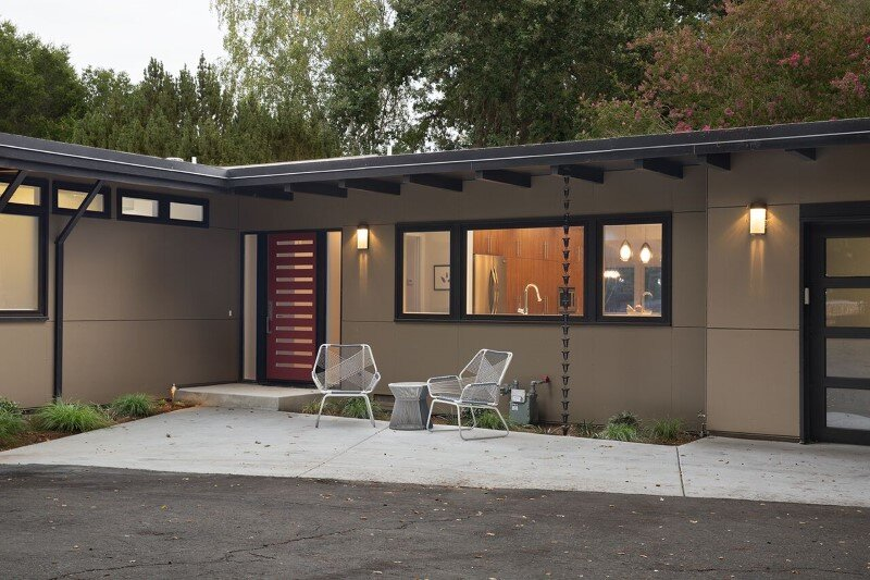 Mid-Century Modern House Remodeled for a Family of Five (8)