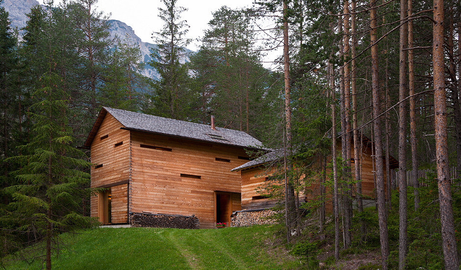 Mountain Lodge Tamersc Inspired by Alpine Traditions in South Tyrol (12)