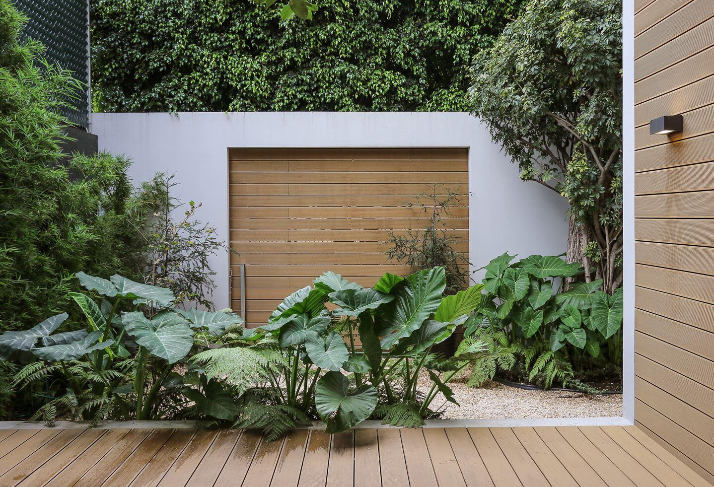 Small Eco-Friendly Home in Mexico City by Paul Cremoux Studio (11)