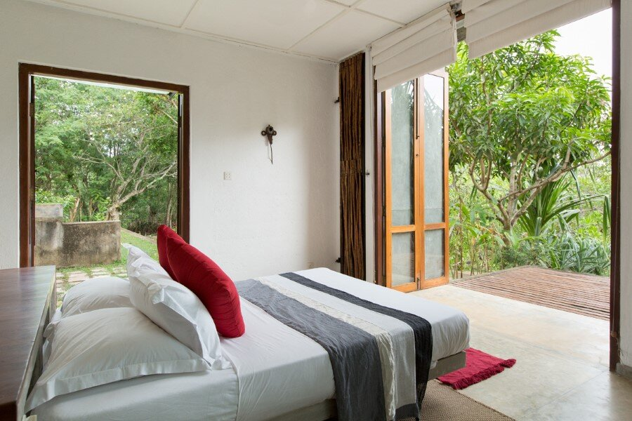 This Sri Lankan Beach Villa is Serene, Relaxed and Intimate (26)