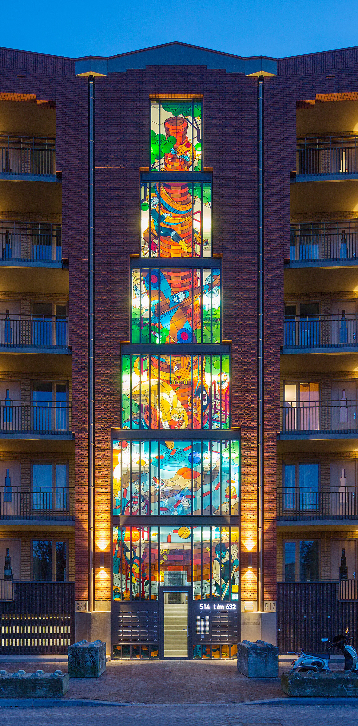 Two Stained Glass Facades Decorate a New Residential Project in Amsterdam (17)