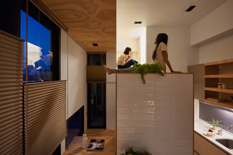 33 Square Meters Compact House with Innovative Vertical Architecture and Natural Decor (5)