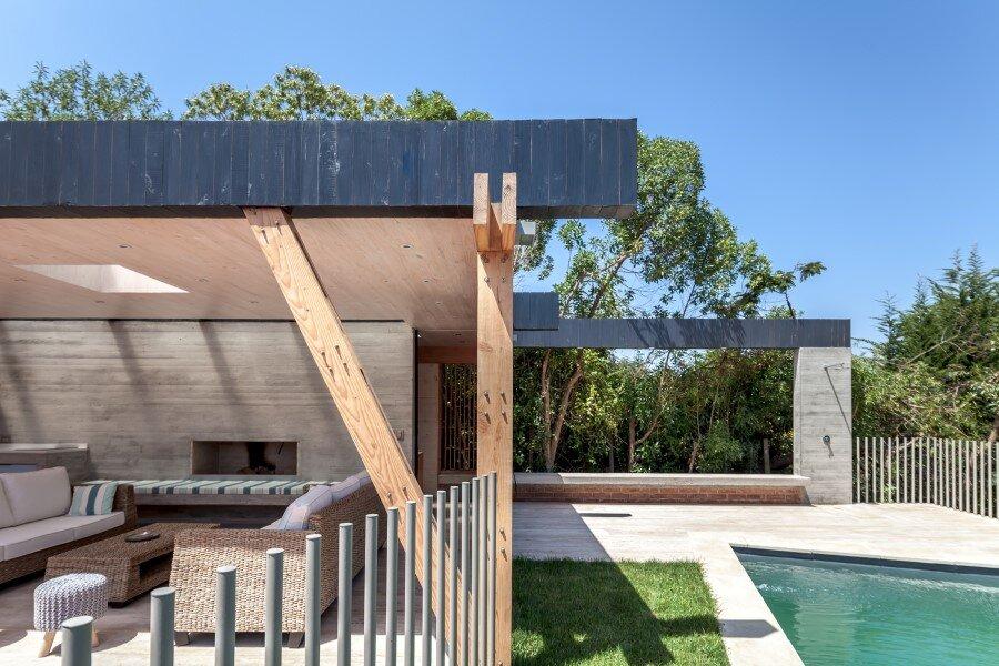 Backyard pavilion for a Beach House Chile (6)