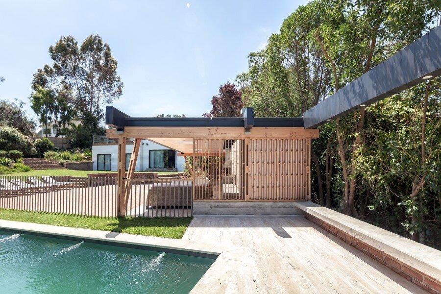 Backyard pavilion for a Beach House Chile (7)