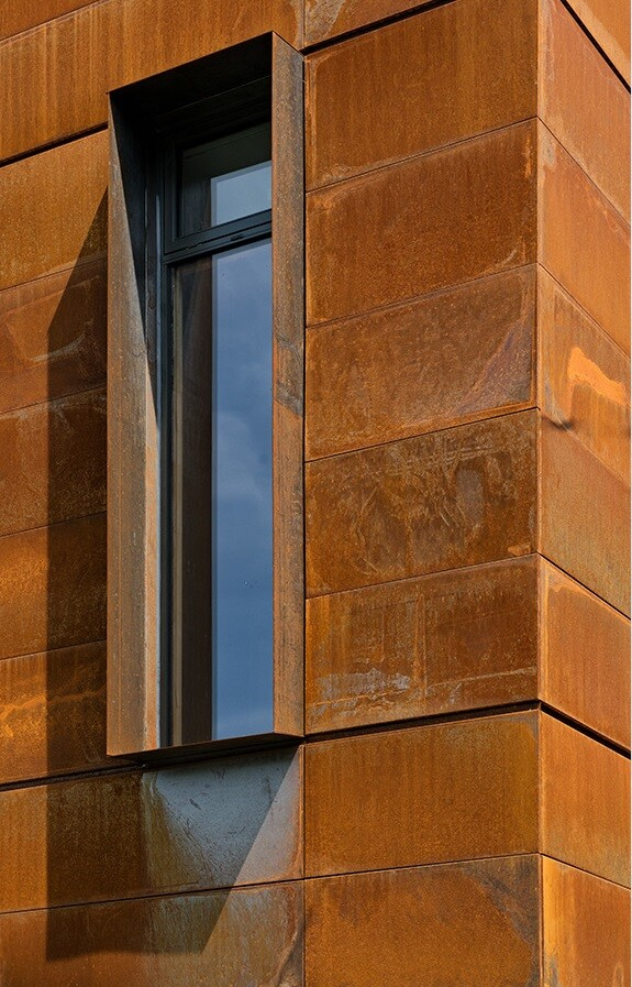 Heathdale Residence - smart home encased in Cor-Ten steel panels (7)