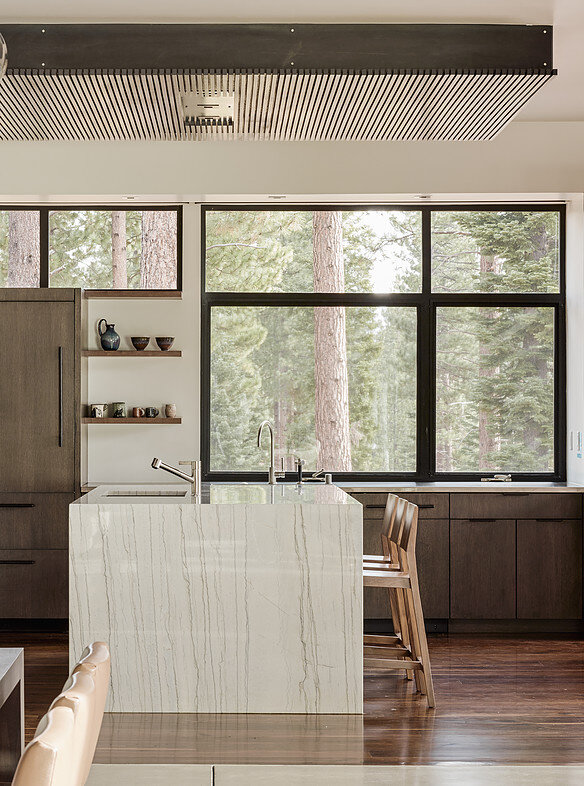 Martis Camp House in Northstar California by Faulkner Architects (14)