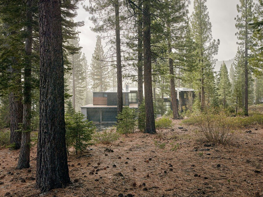 Martis Camp House in Northstar California by Faulkner Architects (9)