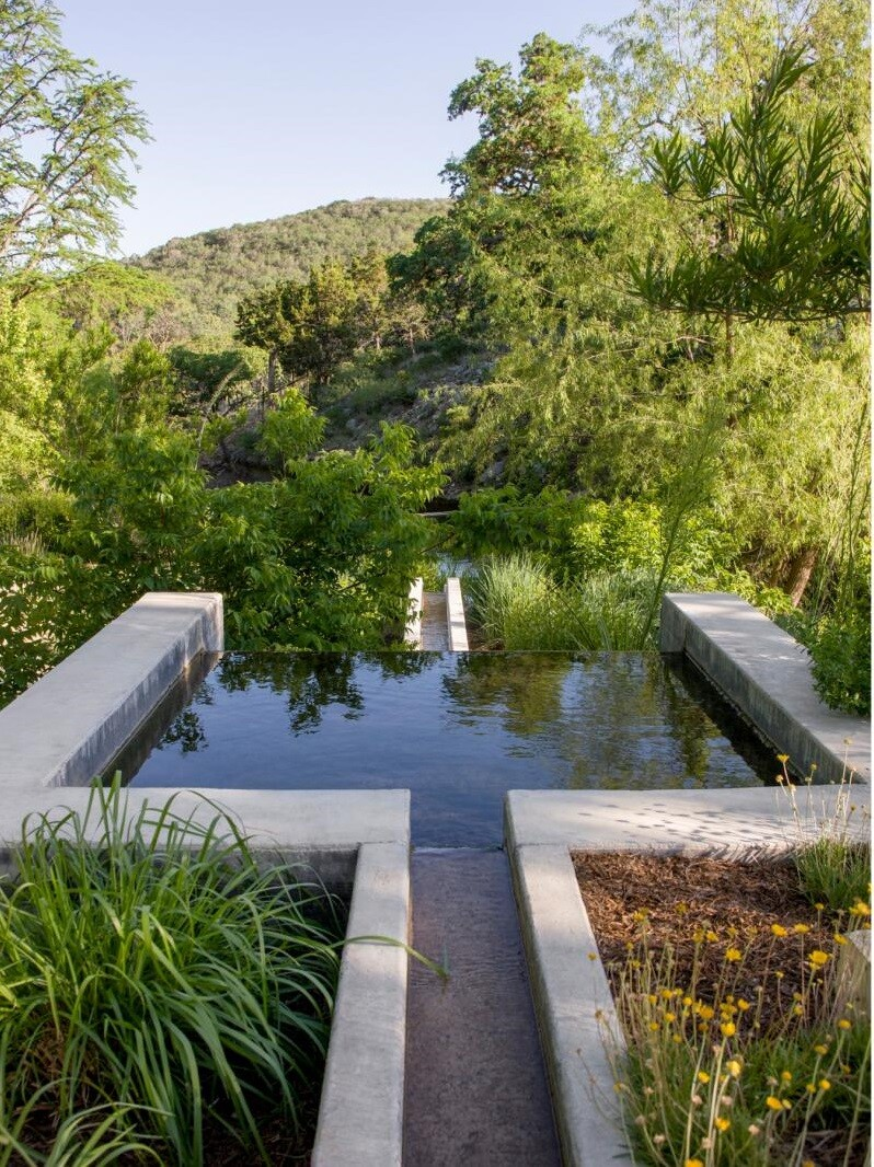 Mill Springs Ranch provides a water's edge retreat (10)