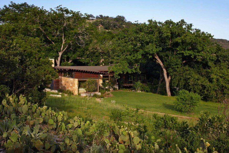 Mill Springs Ranch provides a water's edge retreat (6)
