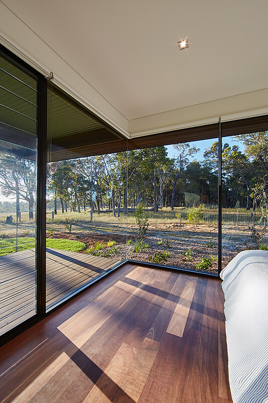 Modern Australian Farm House with Passive Solar Design (5)
