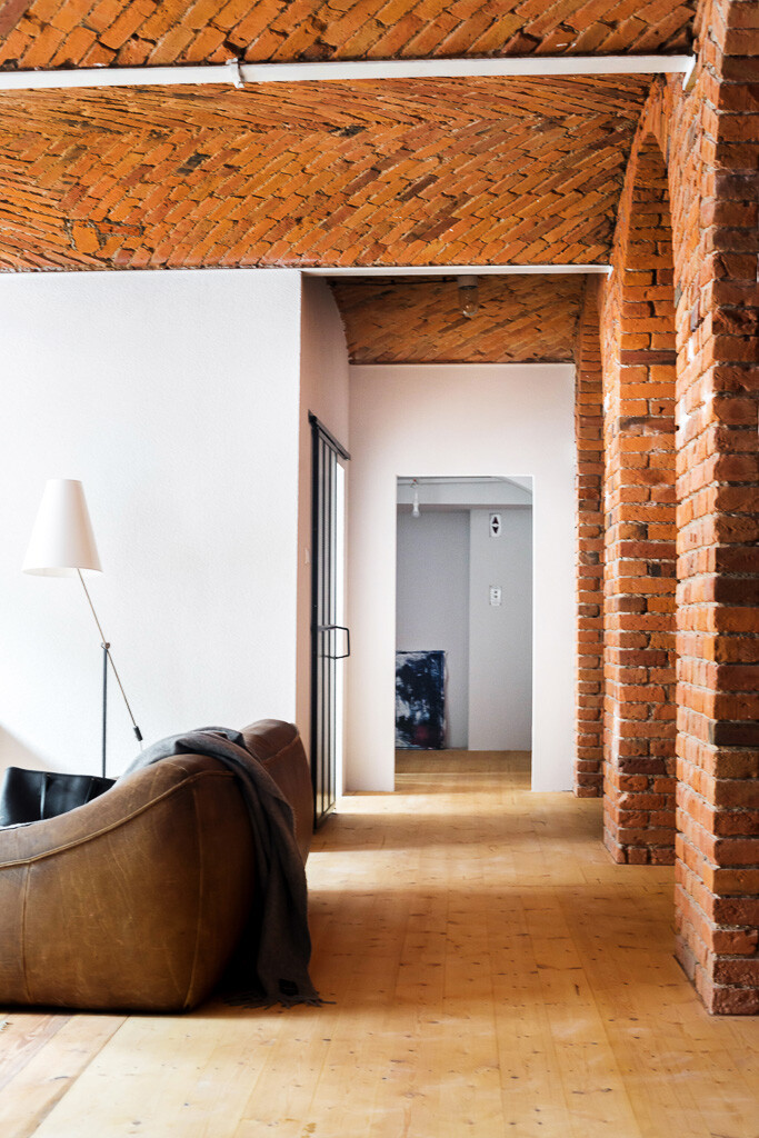 Modern Loft Apartment in an Old Marmalade Factory (6)